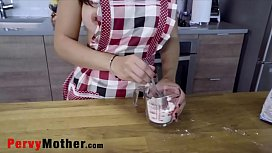 PervyMother.com - Cooking Recipe for Fucking MOM