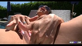 Slutty sunbathing Wife