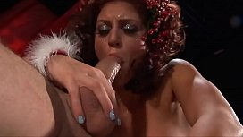 Horny wife Sandra waits under the tree to be hunkered by Santa Claus