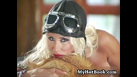 Puma Swede will be wearing her hat and goggles whi