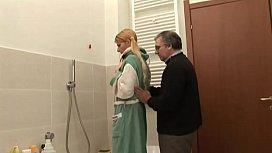 Figlia e Papa'_ nel bagno