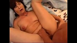 Good Looking Hot Mom - More on 999Cams.xyz