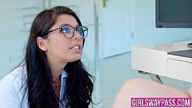 Office slut with sexy glasses rimming her lesbian superior