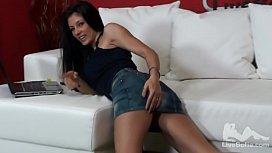 Squirter Sofia Cucci anal fuck herself