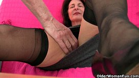 Grandma'_s libido gets fired up by the dirty photographer
