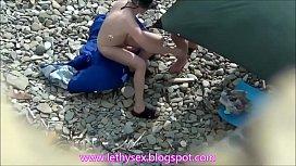 Eles n&atilde_o aguentaram ficar de boa na praia de nudismo