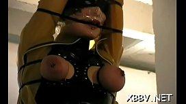 Girl plays along guy'_s desires in mambos torture sex scenes