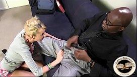 Porno lesbiennes assis