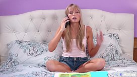 Why are you taking naked pictures of your Mom? - Cherie Deville and Scarlett Sage - Mommy'_s Girl