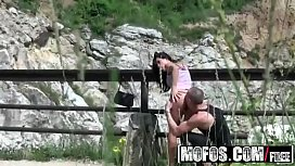 Perv films hot couple having sex outdoors in publick - Mofos