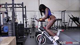 Ebony MILF'_s Gym Cum Show- Ana Foxx