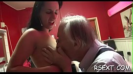 Hot overweight hooker gets fingered and fucked hardcore style