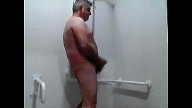 Hola Soy FELIZ1973 y animo a ducharse conmigo!!!