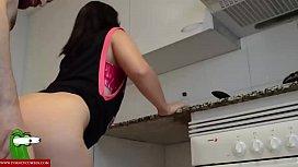 follando en la bancada de la cocina GUI116
