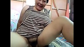 Thai aunty loves her ass appreciated