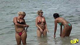 Flagra na Praia - Hellen Eloa - Mirella Mansur - Hugostozao