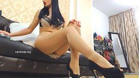 Endlos lange Frauenbeine in sexy Nylons