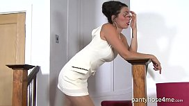 Tammy Lee Being Provocative in Sexy Pantyhose