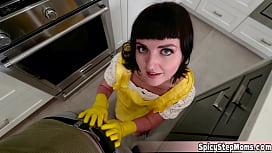 Hot UK stepmother Jane just dont like doing the wishwashing
