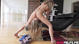 Natasha Starr goes on top of Athena Faris feeding her pussy!
