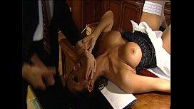 Auf dem Schreibtisch gefickt - Erotic Planet german
