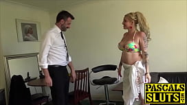 Dazzling Loula Lou chokes on cock before penetration