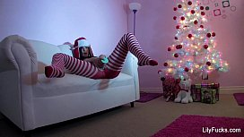 Lily Carter'_s Happy Squirting Christmas
