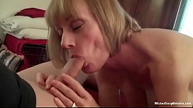Amateur GILF Loves The ThreesomeAction