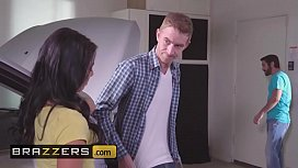Teens like it BIG - (Gina Valentina, Lily Jordan, Danny D) - Fixer-Upper Daughter Stuffer - Brazzers