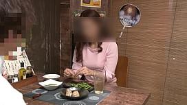 【個撮】【43歳 Dカップ きれい系エロ妻 に中出し】女の性欲を飛躍的に増大させる酒を出す相席系居酒屋 SEX依存禁断症状並【個人・隠し撮り】
