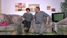 HAUSFRAU FICKEN - BBW Amateur German granny wife enjoys hardcore sex session