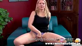 Blonde MILF Zoey Tyler gets Naughty for the Camera Porn