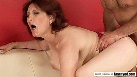Mature woman who loves sex! - Lusty Grandmas