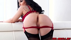 Sassy booty blessed Gabi Paltrov giving a crude blowjob