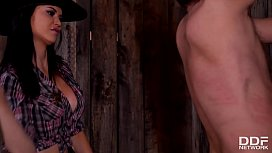 Dominant Sheriff Jasmine Jae spanks &amp_ interrogates defenseless prisoner