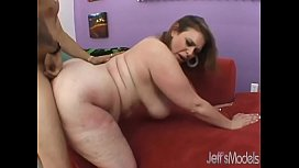 Chubby Honey Uses Her Fleshy Body to Get a Guy Off