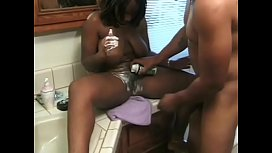 Ebony slut Skyy enjoying DP
