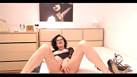 MILF with Glasses Amazing Cam-show