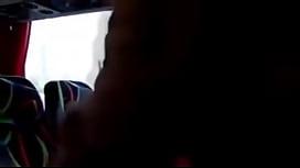 2층 버스에서 자위하는 유부녀