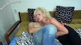 Granny gets fucked a dildo