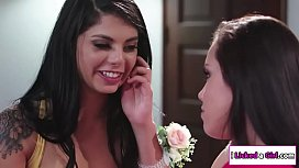 Alina fingers her lesbian date