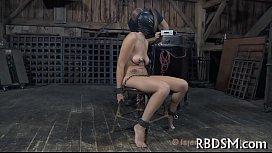Regarder du porno en ligne gratuit lesbiennes dans les bois
