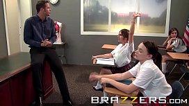 Big Tits at School - Teachers pet (Rachel RoXXX) get pounded on her desk - Brazzers