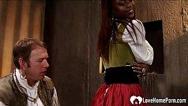 Ebony maid gets her love tunnel plowed