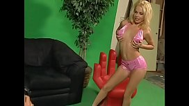 Gorgeous tight blonde MILF gets drilled on the couch then gets a facial