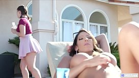 Stepdaughter'_s been obsessed with her Mom'_s big breasts! - Jenna Sativa and Dava Foxx