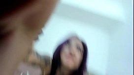 Colombiana Alessa Frost en su web cam con dildo y super orgasmo