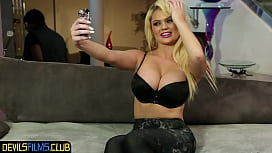 Spitroasted MILF beauty sucking black cock