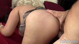 Asian plumper Tyung Lee shows an old guy what fucking