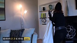 Big TITS in uniform - (Katja Kassin, Manuel Ferrara) - Katja Red-Handed - Brazzers